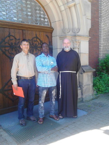 Dr. Paul Krause (Hausarzt), Issa Ali, Br. Markus Thüer