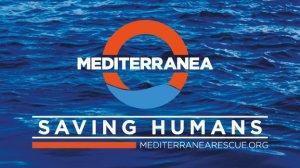 Sea Watch 3 wartet mit Flüchltingen an Bord auf Genehmigung zum Einlaufen in italienischen Hafen.